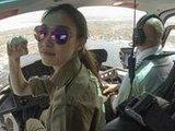 倪妮化身帅气飞行员畅飞纽约