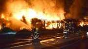 惊!广西两货车相撞起火