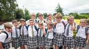 英国中学不准穿短裤上学 于是50名男生改穿女裙了