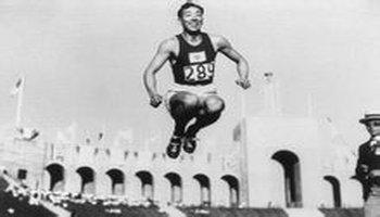 立定跳高_三级跳,跳高)都是以立定姿势开始起跳的,从1900年至1912年举办的各届