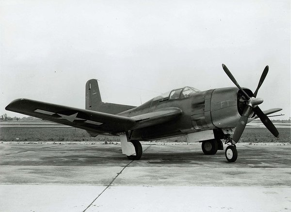 1024px-Douglas TBD-1 VT-6 in flight c1938.jpg