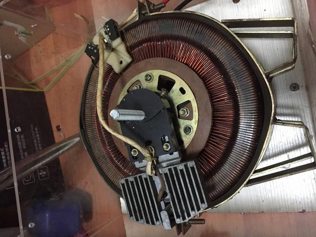 改成自耦式变压器自耦变压器工作原理 自耦变压器是只有一个绕组