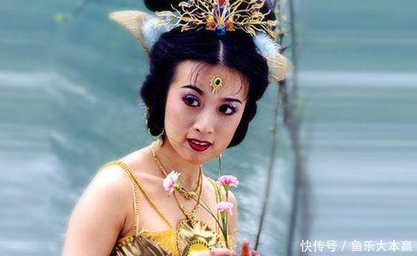 """2012年,在于正的古装电视剧《陆贞传奇》中饰演""""女官""""杜司仪;2013年"""
