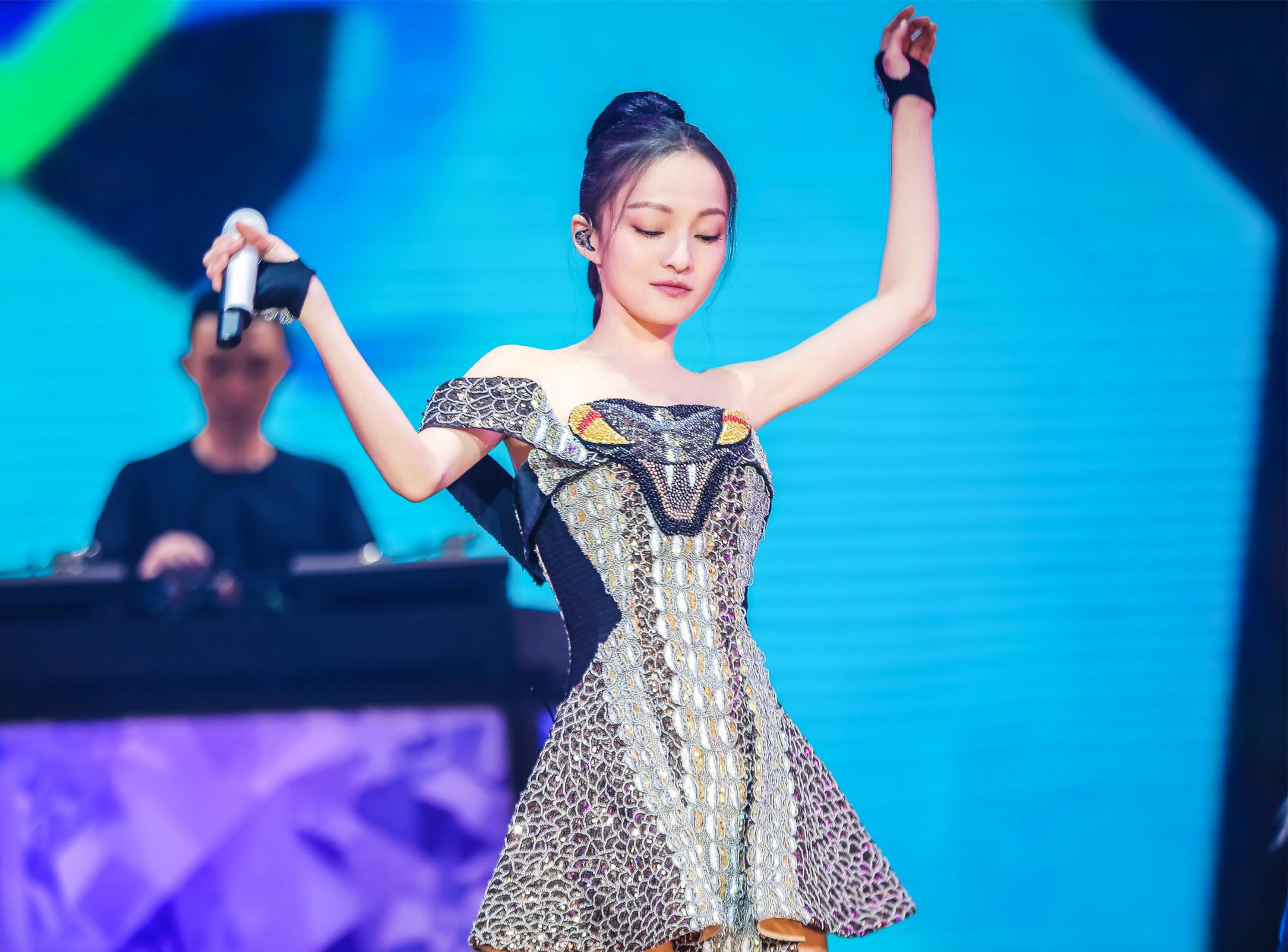 《歌手》加持张韶涵人气暴涨深圳演唱会再掀抢票热潮