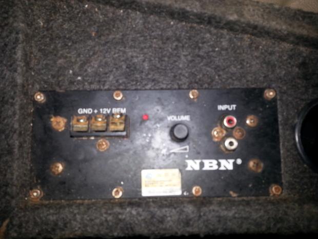 汽车nbn音箱怎么接线?