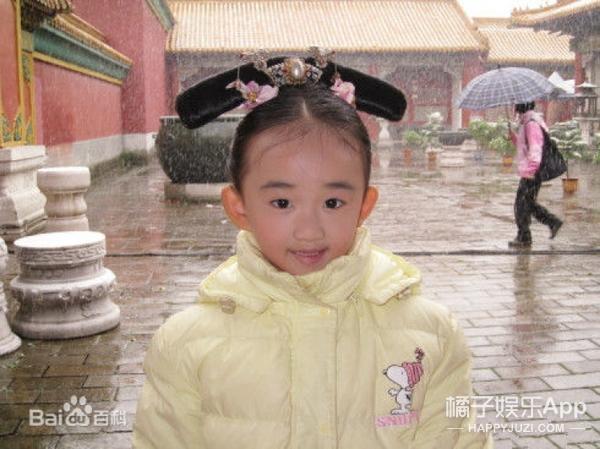 6岁可爱小女孩