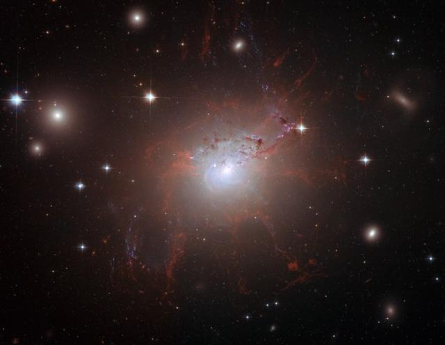 这就是宇宙极限速度为299792458米/秒的原因
