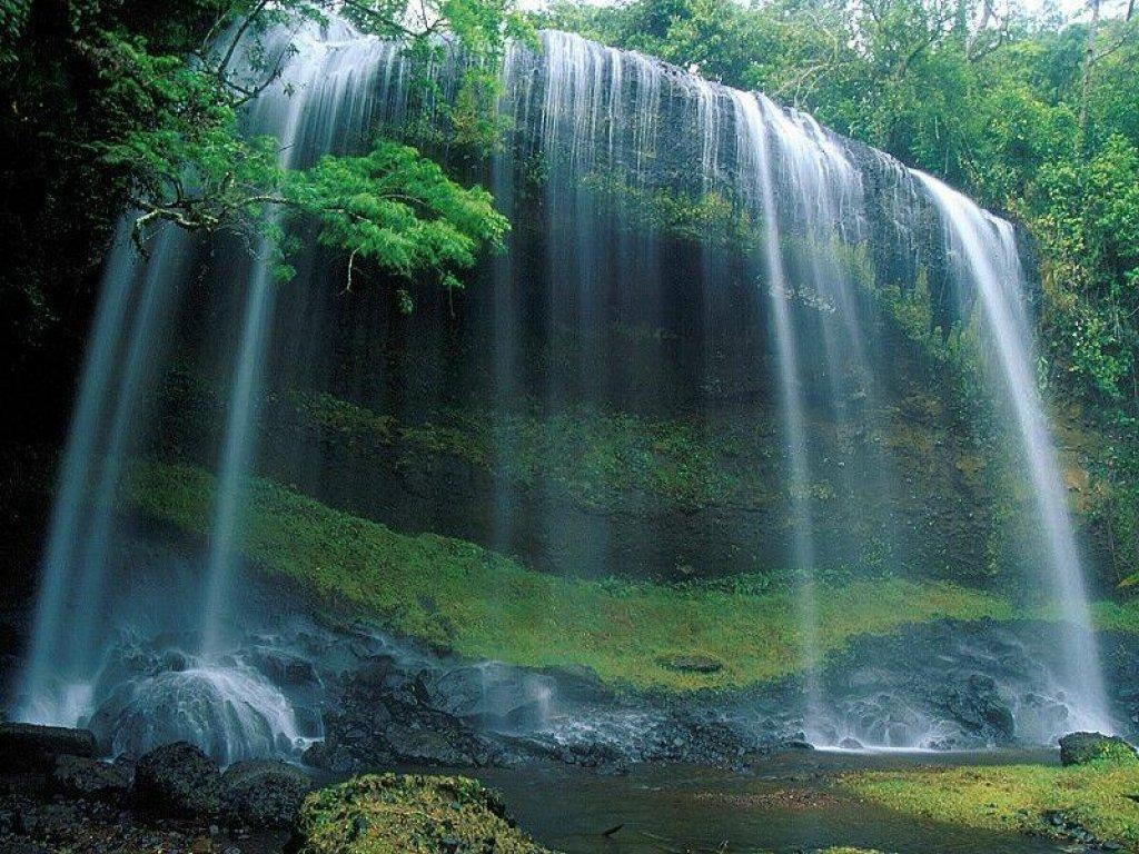 因李白《望庐山瀑布》