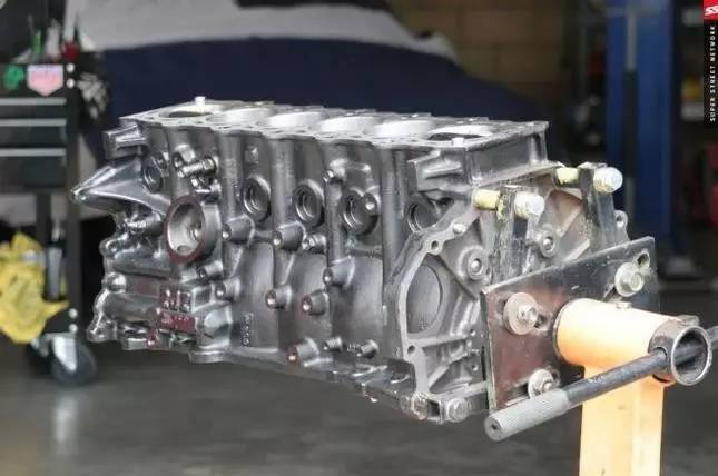 解读丰田2jz发动机 强到永远无法遗忘