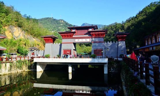 龙潭沟自然生态风景区,河南省首家服务标准化示范景区,南阳十佳旅游
