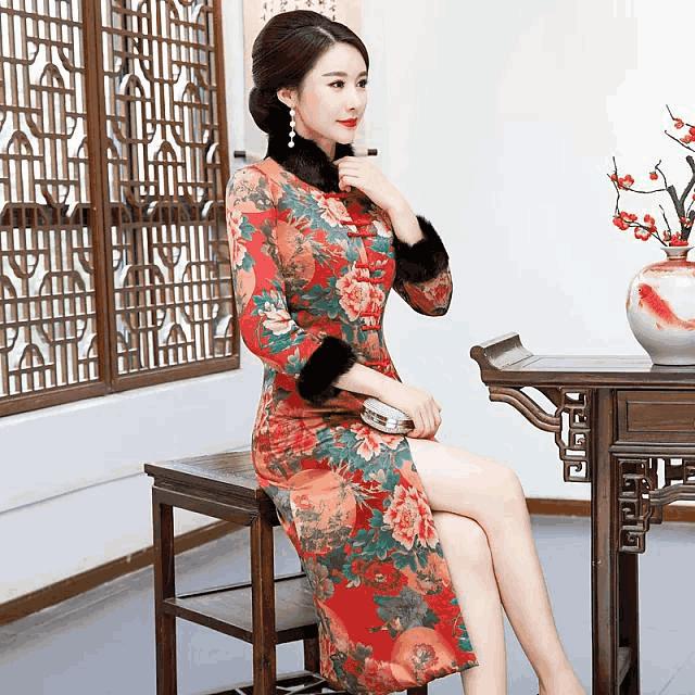 高贵品味,华贵香云纱旗袍,展女人魅力风韵!