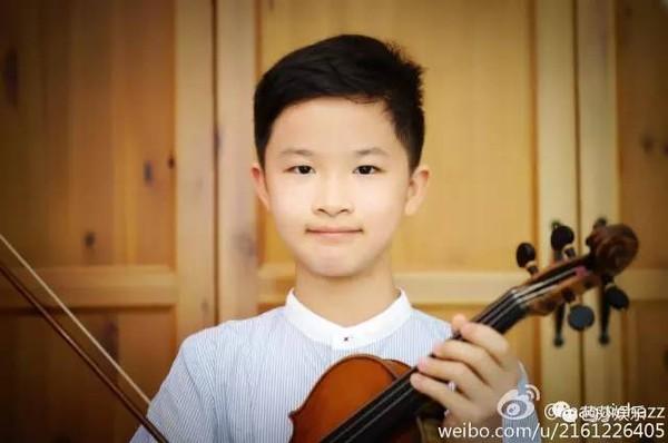 教师妈妈黄_小竹马的爸爸是著名的小提琴家后则周,妈妈周诗蕾是多多的钢琴老师.