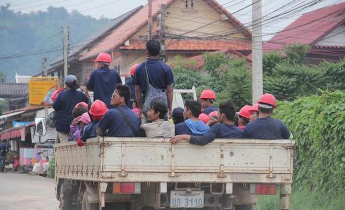 实拍老挝的街头:拾荒小孩让人心酸 - 一统江山 - 一统江山的博客