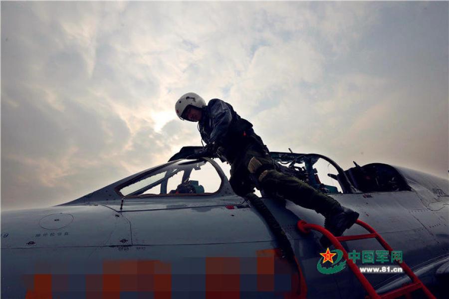 空军接到开飞命令却遇雾霾天怎么办?