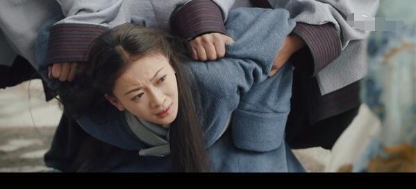 吴谨言刚上线演技就被嘲,大猪蹄子的剧抛脸能救回《皓镧传》吗?