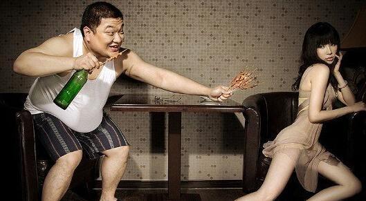 杭州万人素颜相亲 女生洗脸测胸围盘点奇葩相亲:裸浴