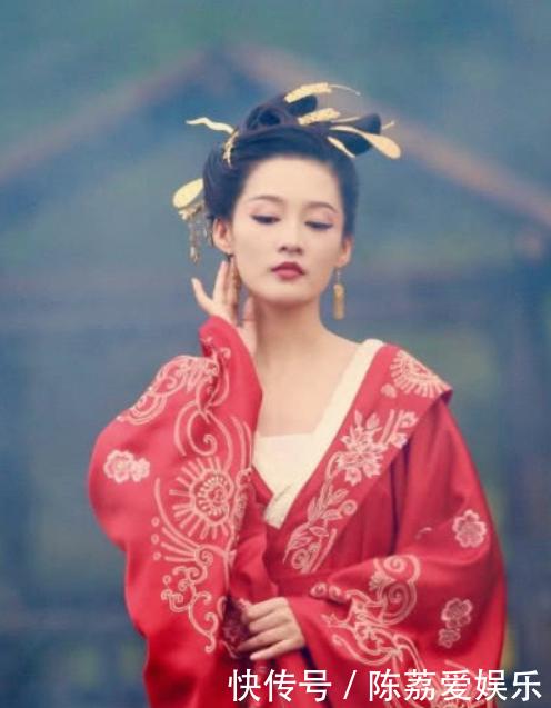 6位当红女星的古装红衣造型, 迪丽热巴美艳, 刘