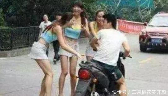 搞笑GIF:我只是一个路人,让我走吧,别拉着我了