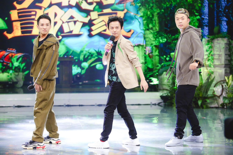 何炅,维嘉,杜海涛三个老男孩的表情都是萌萌哒.图片