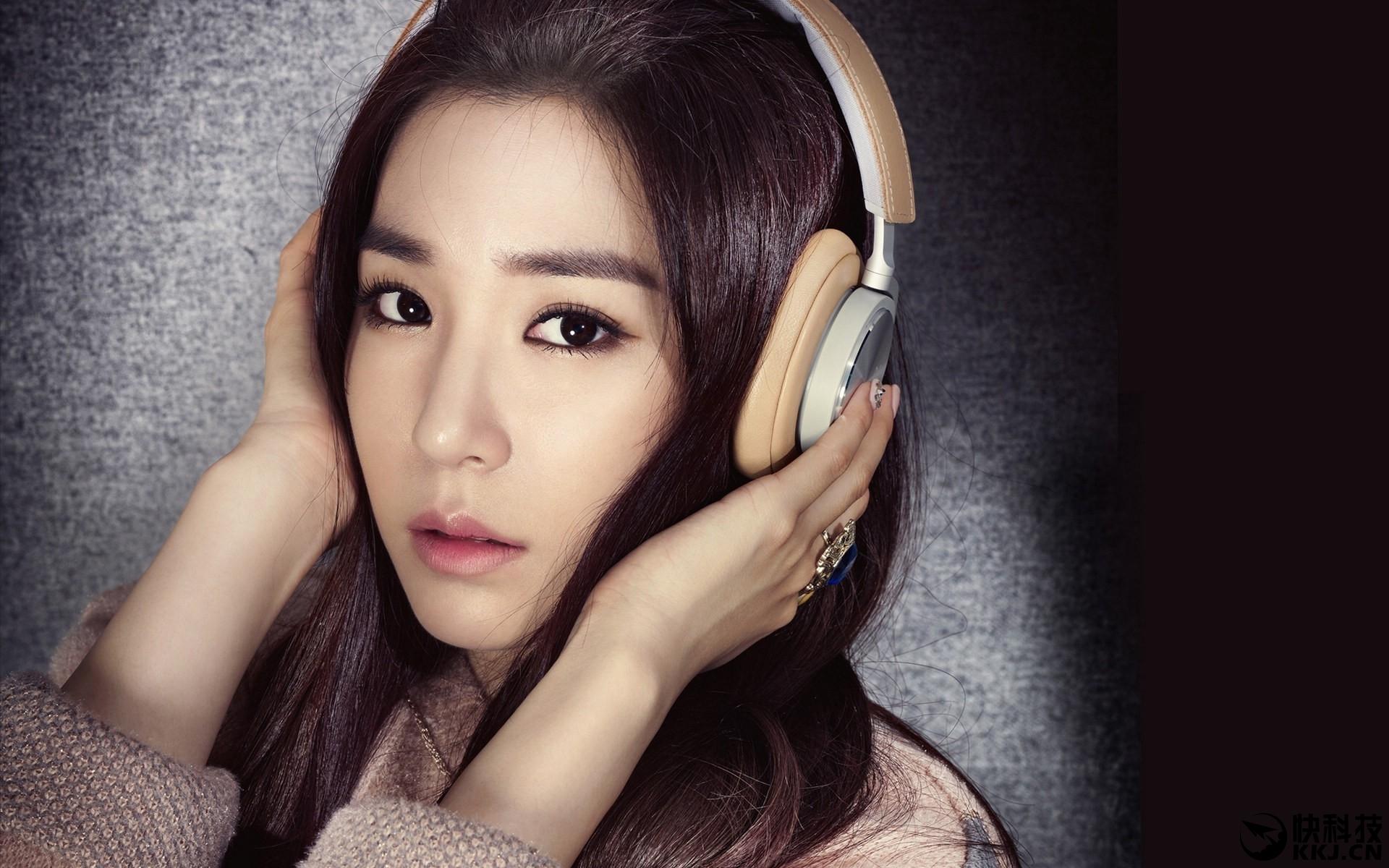 韩国女游戏配音员因一件T恤被辞退