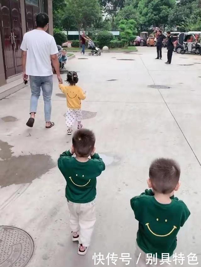 爸爸喜欢女儿,妈妈生三胞胎却只有一个女儿,爸爸区别对待笑翻网友