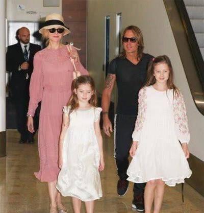 """妮可基德曼的两个女儿,一个像妈美貌惊人,一个像爸太""""帅气""""!"""