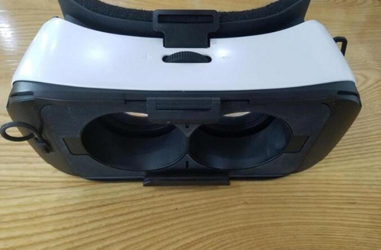 暴风魔镜5怎么样?开箱评测国产VR眼镜