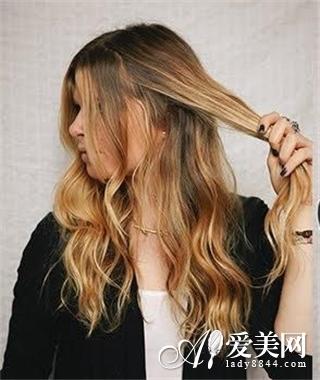编发公主头扎法打造韩式浪漫发型