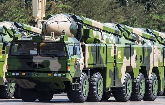 中国列装东风12导弹可机动变轨有效突破爱国者 - 李光鹏 - 李光鹏