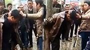 老婆偷腥被发现遭当街鞭打