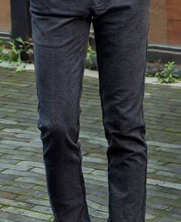 深咖啡色的休闲皮鞋和黑的的裤子可以搭配吗(如图)样