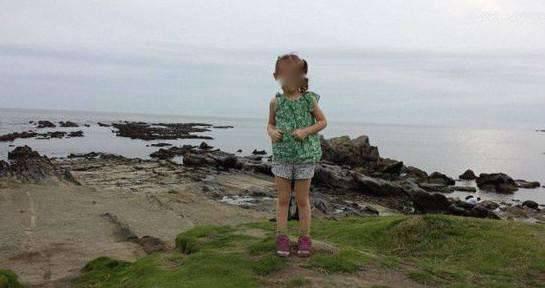 男子帮女儿拍照仔细一看发现恐怖一幕