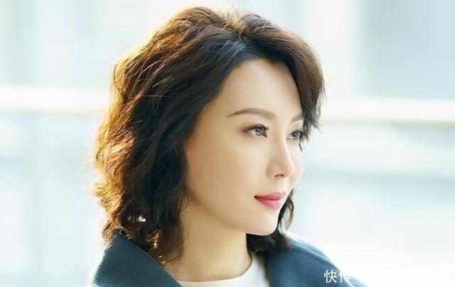 中年发型最适合女人?温柔优雅让你瞬间比大方脸女星短发图片