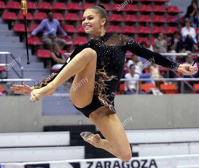 俄体操女神仅22岁退役却步入政坛当高官 未婚生子长得像普京? - 德财兼备 - 德财兼备的博客