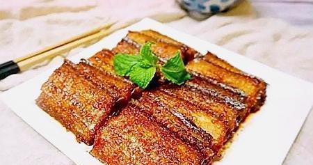 原来梅子也能入菜,带鱼加上它一起烧,是最天然最自然的味道