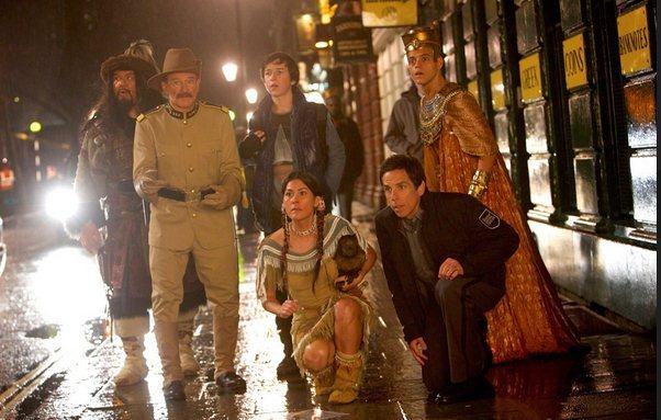 在这过程中他们也结识了新的朋友,由丹·史蒂文斯饰演的圆桌骑士