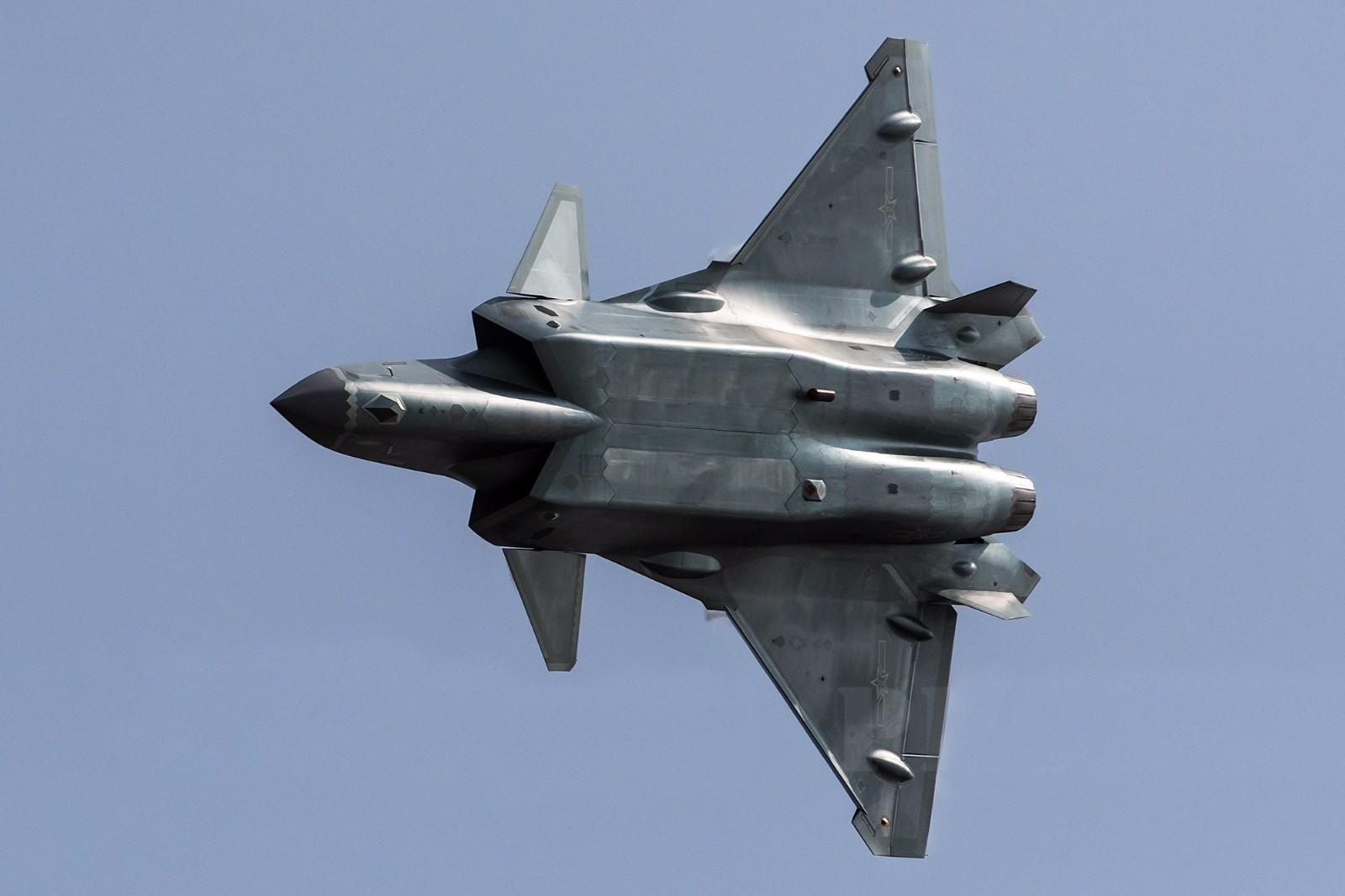 高清大图:歼-20战机细节一览无余 - 一统江山 - 一统江山的博客