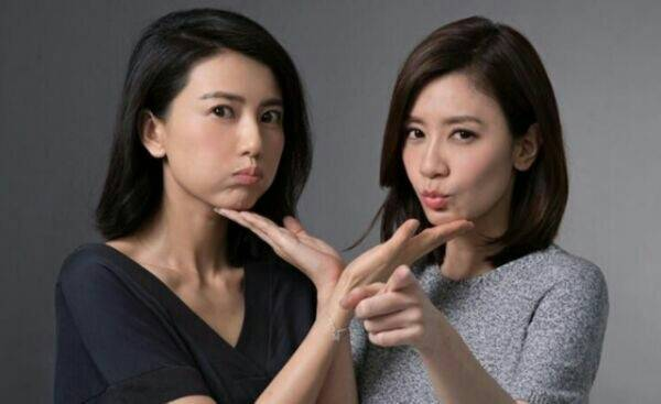 她们外貌90%相似度,让人分不清,两人因戏结缘亲如姐妹