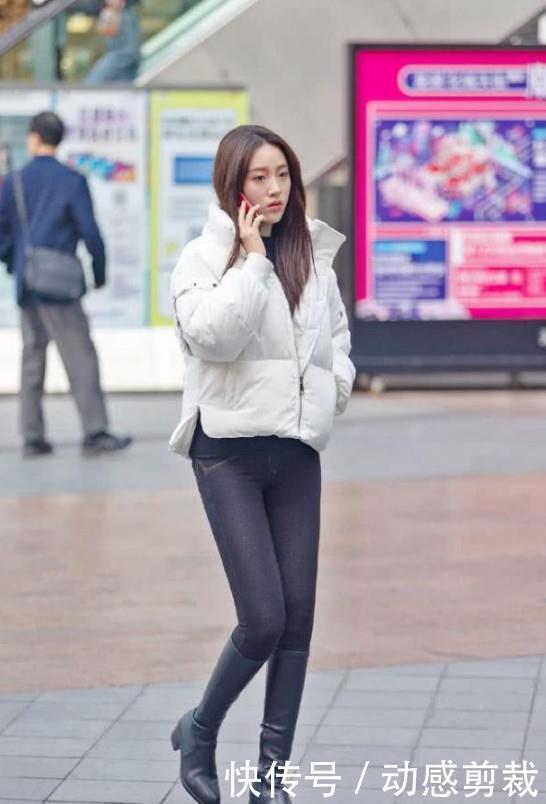 街拍:貌美肤白的小姐姐,走路自带气质,散发性感的韵味