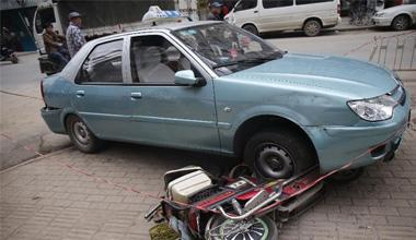 武汉街头发生砍人事件已造成1死7伤