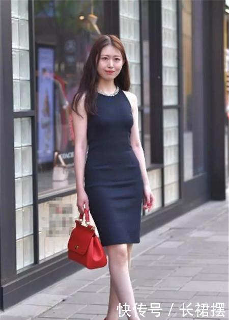 路人街拍:美若天仙的小姐姐,简约而不简单,彰显诱人身材