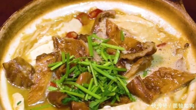 扬州必吃的重种子籼米,臭豆腐炖口味,如此特色马谷肥肠美食图片