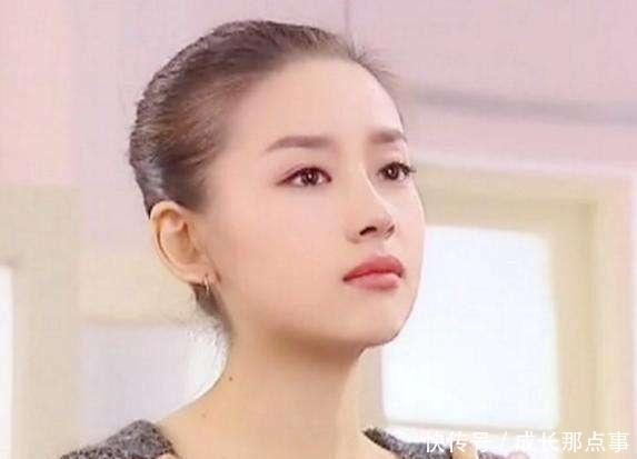 年轻时的董洁有多美?无法情趣言形容,刘亦菲在房用语杭州一路文图片