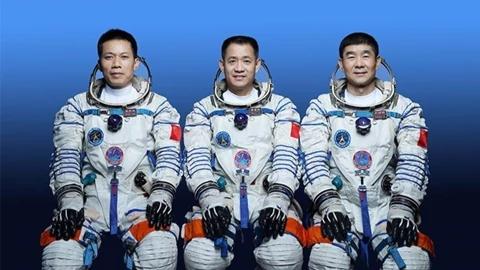官宣!神舟十二号载人飞船17日发射,飞行乘组航天员简历公布