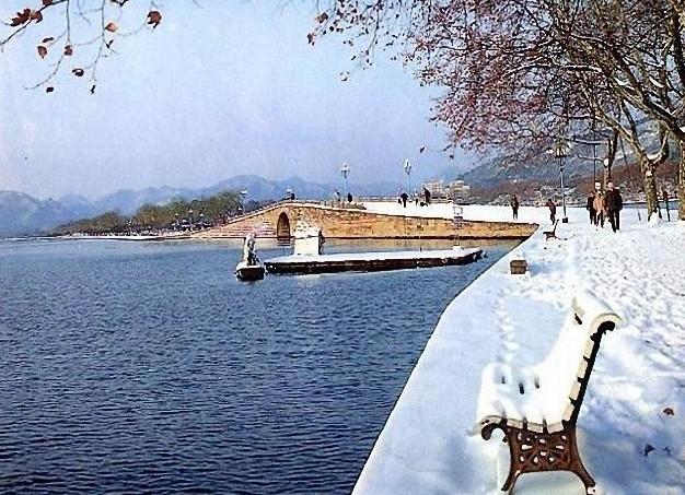 《断桥残雪》断桥在哪个城市,(新白娘子)是在断桥拍摄图片