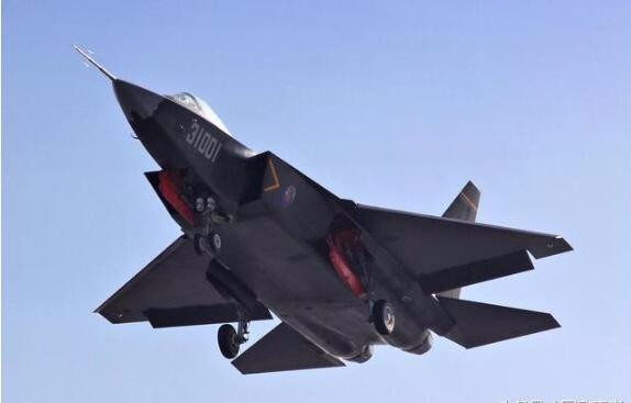 歼31成航母舰载机又增新证据 或配套003核动力航母