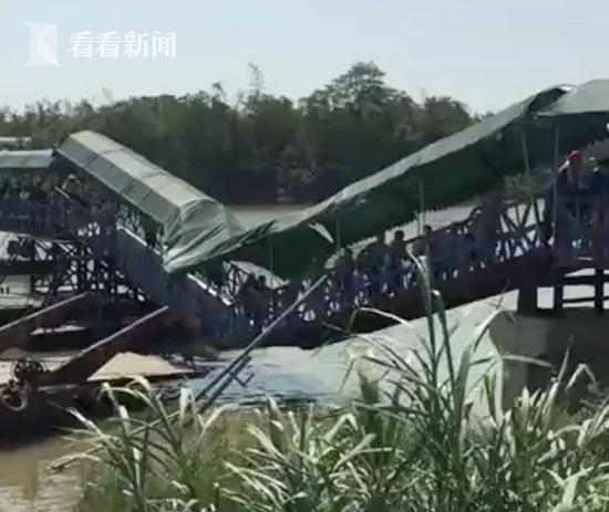 绝缘玻璃钢格栅 吓 游客挤桥上看龙舟赛,桥面突垮塌