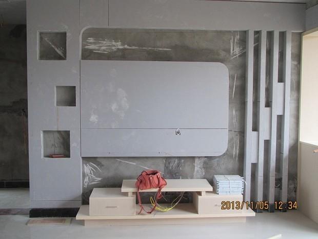 电视背景墙刷什么颜色好看