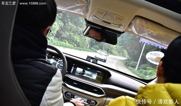 互动T77试驾评测,3D美女与你车上奔腾视频男人美女射被!图片