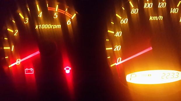 车是柴油车,双龙爱腾 补充:把油水分离器放了下水,在停下车时故障灯着
